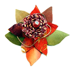 Bloom brooch 3