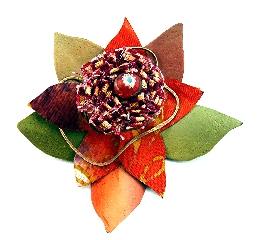 Bloom brooch 3
